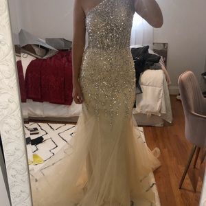 Jovani nude size 6 sequin beaded gown with tulle